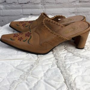 Roper. Embroidered western style mules.